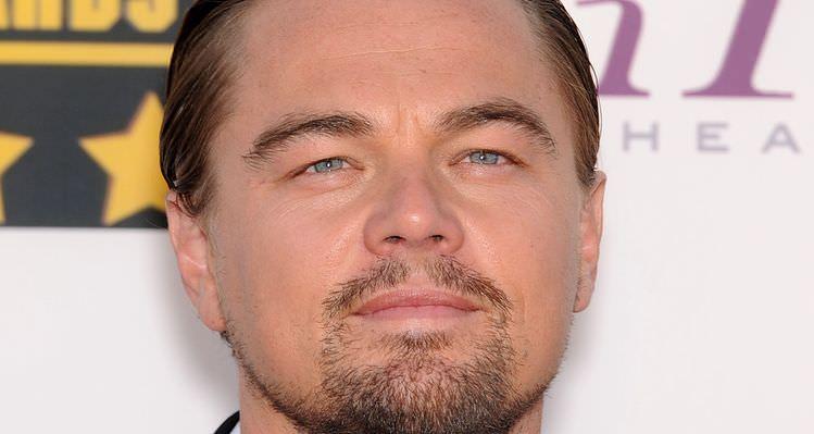 LOS ANGELES - JAN 16:  Leonardo DiCaprio arrives to the Critics'